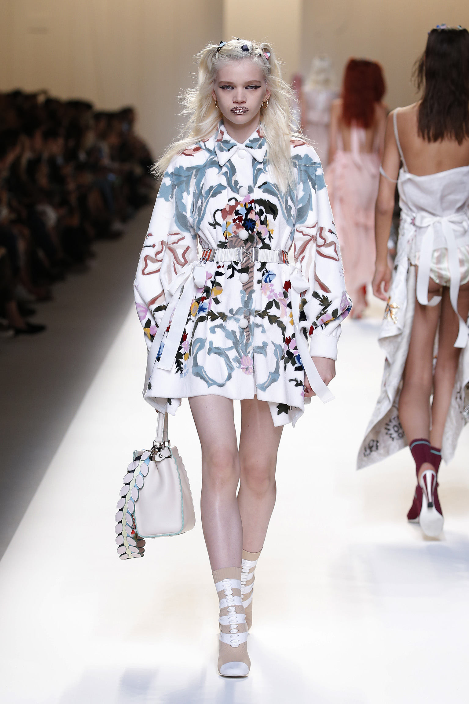 fendi-ss17-womens-collection_04