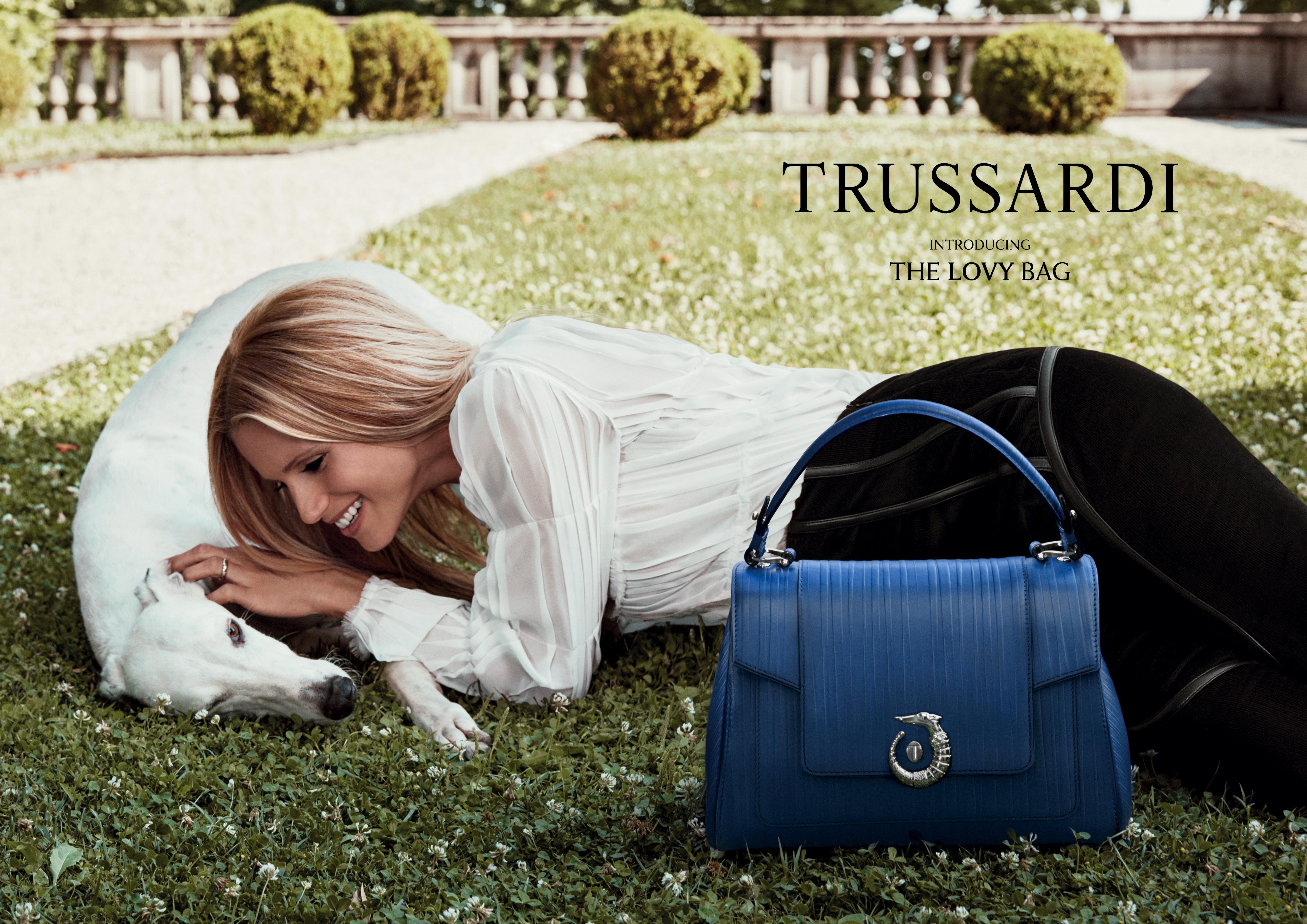 Michelle Hunziker Nuova Testimonial Trussardi Fashion Times
