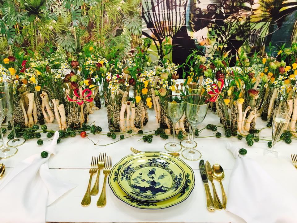 Tavola ideata da Daniela Cicchetta e dalla florist artist Maya De Roo