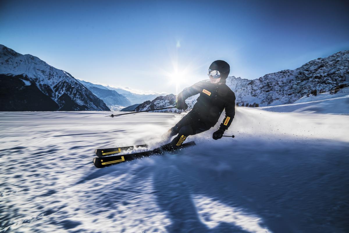 Pirelli Design: Sport Carve Ski