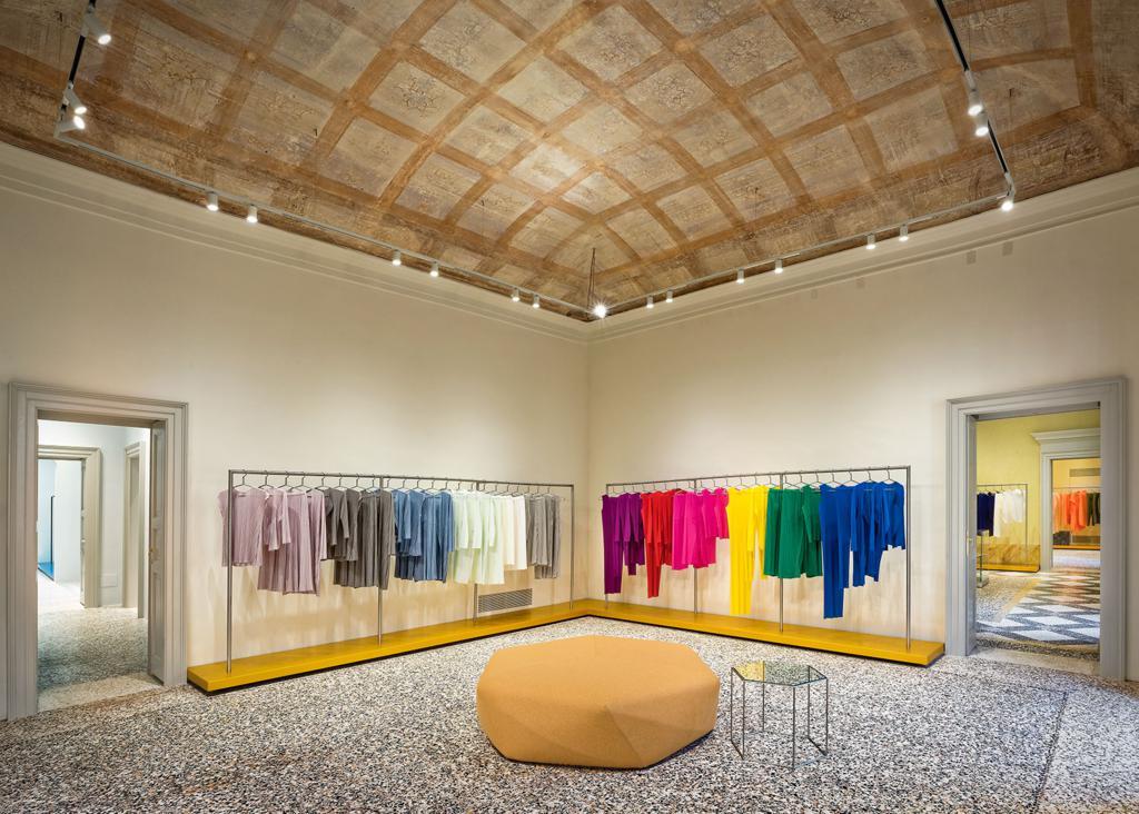Issey Miyake store Milano