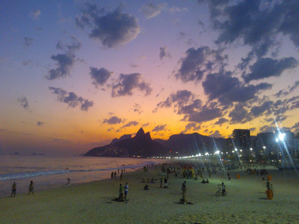 Spiaggia di Ipanema al tramonto - foto di Lisa Molinari e Gustavo Abreu