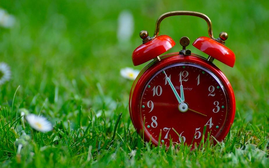 Stanotte lancette orologio avanti dalle 2 alle 3