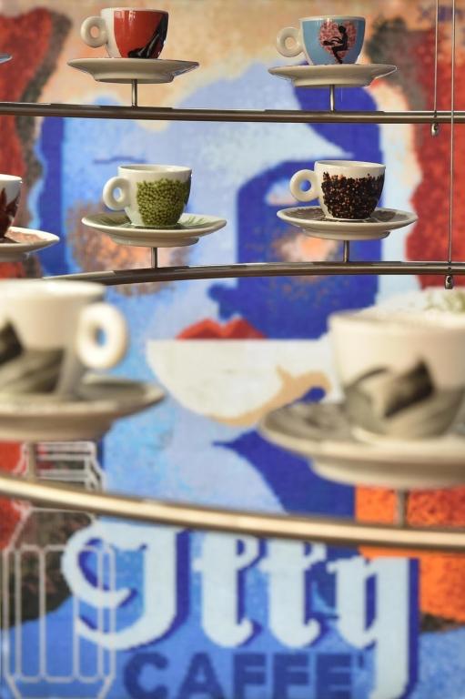 illy Caffé, via Montenapoleone