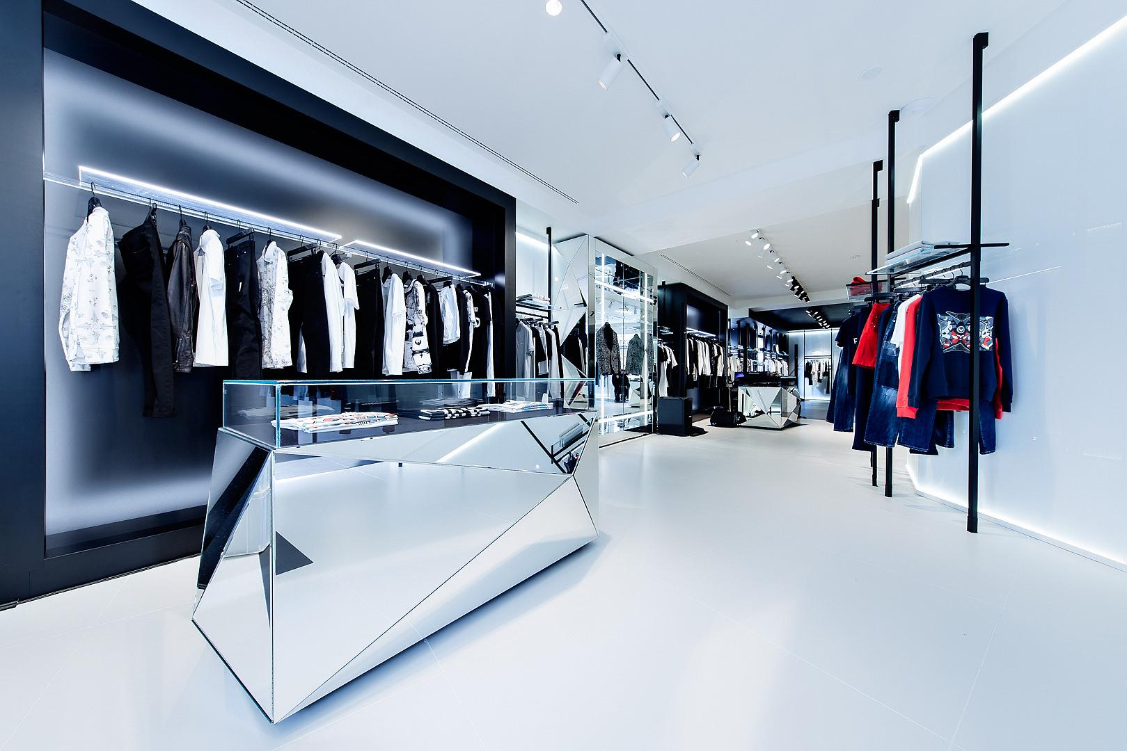 Flagship store Frankie Morelllo a Milano (ph: albertofeltrin.com)