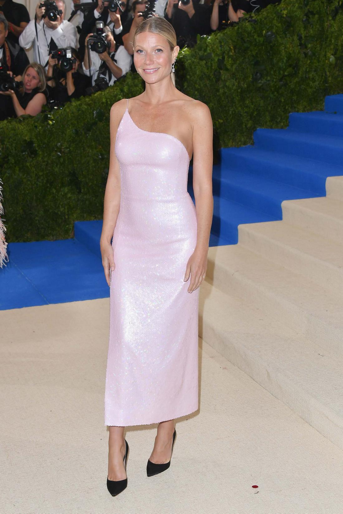 Gwyneth Paltrow in Calvin Klein (Photo by George Pimentel/WireImage)