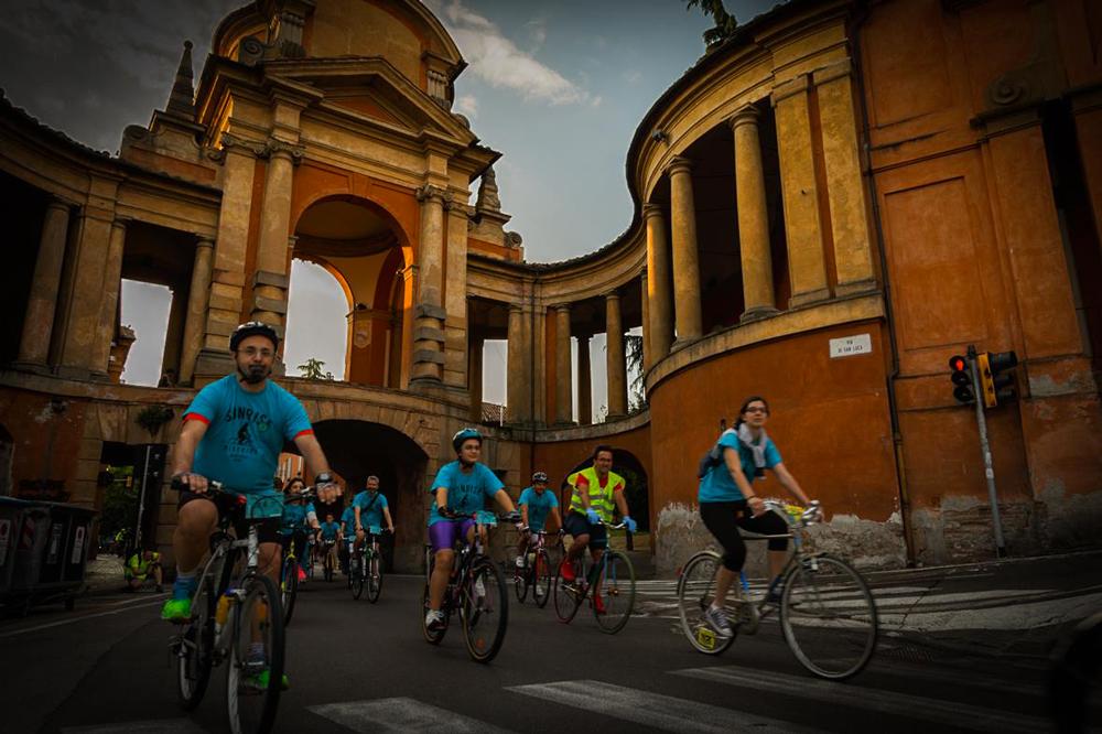 SunriseBikeRide quest'anno a Bologna: 1000 partecipanti!
