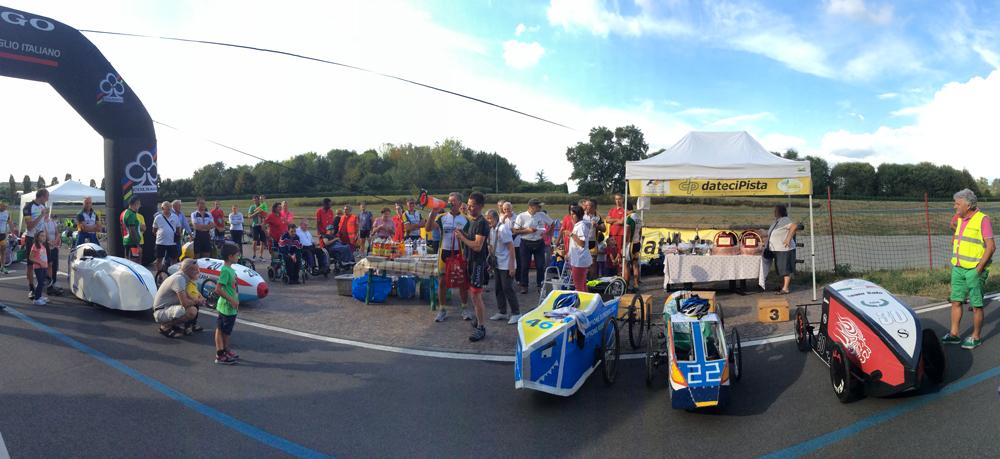 Una delle attrazioni della Festa del Velodromo Parco Nord: l'esibizione delle F1 a pedali