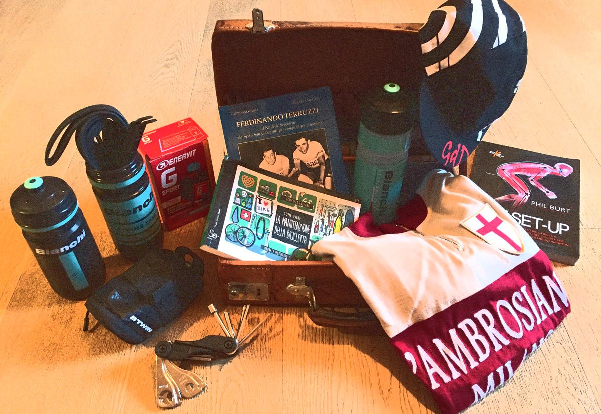 Cosa non deve mancare nella valigia del ciclista destinazione montagna fashion times - Cosa non deve mancare in casa ...