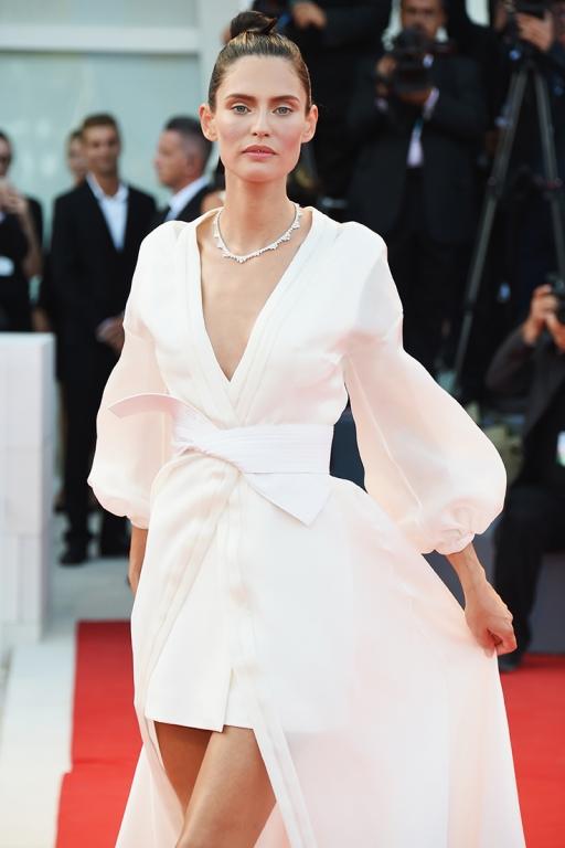 Bianca Balti in OVS con gioielli Chopard
