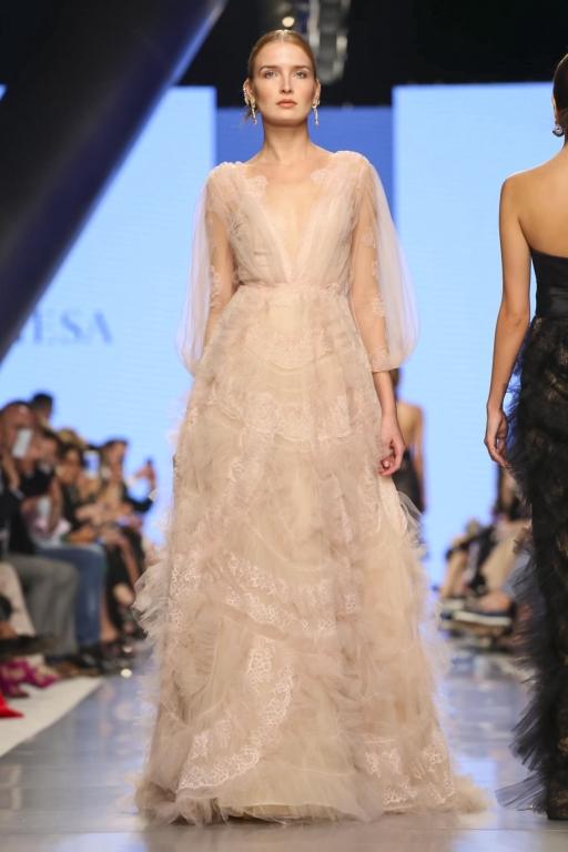 Marchesa Fashion Show, Ready to Wear Collection Fall Winter 2017 in Dubai, Arab Fashion Week