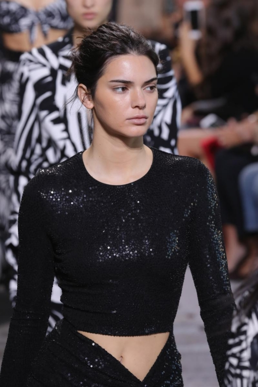 NEW YORK, NY - SEPTEMBER 13:  Kendall Jenner walks the runway for Michael Kors Collection Spring 2018 Runway Show at Spring Studios on September 13, 2017 in New York City.  (Photo by JP Yim/Getty Images for Michael Kors)