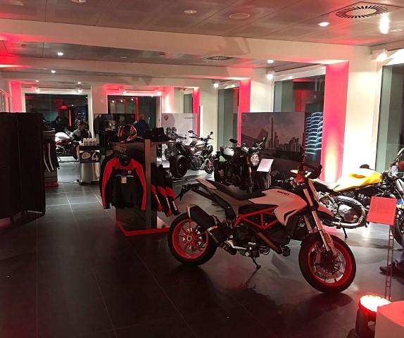 Flagship Store Ducati Milano (1)