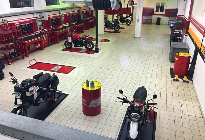 Flagship Store Ducati Milano (2)