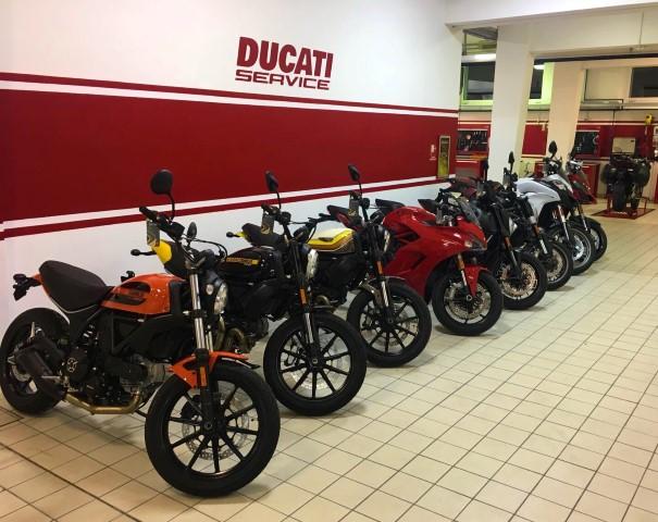Flagship Store Ducati Milano (3)