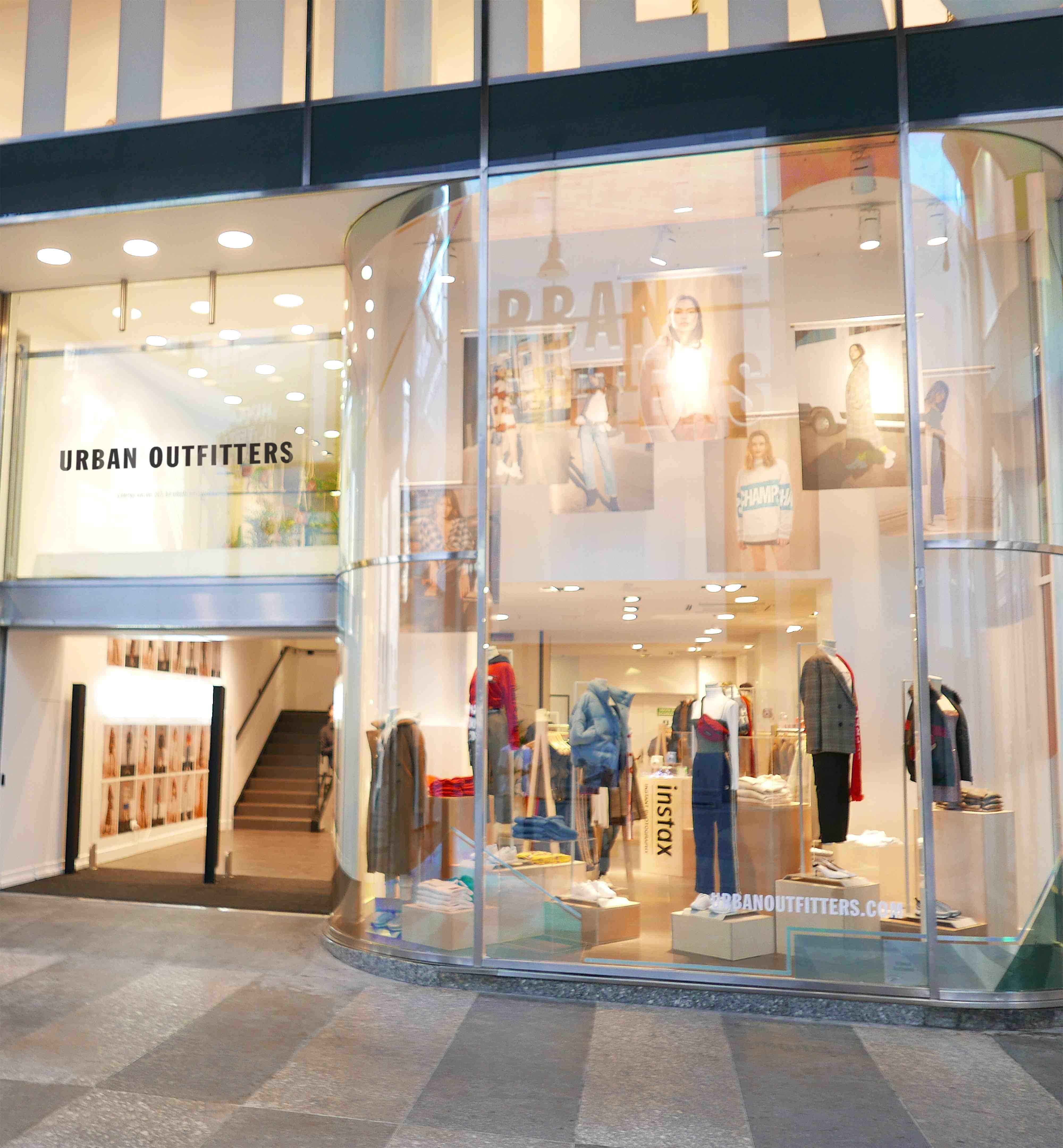 Urban Outfitters arriva in Italia: primo negozio a Milano