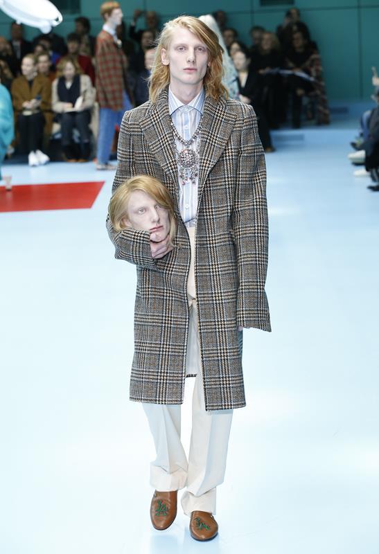 c85243b989a571 Mentre Gucci e la sua sfilata dividono l'opinione pubblica, uno dei pochi a  prendere posizione è Giorgio Armani. E senza mezzi termini.