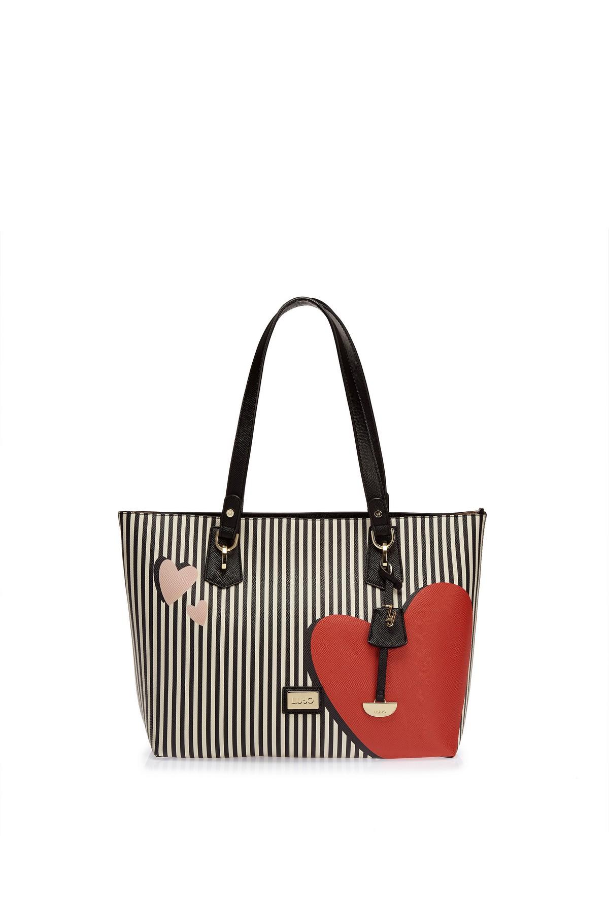 hot sale online ba883 4b85a Regali San Valentino 2018: le borse made with love di Liu Jo ...