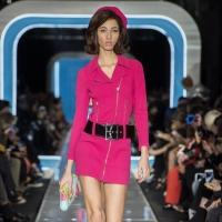 Moschino sfila in passerella a Milano Moda Donna con la collezione autunno inverno 2018 2019