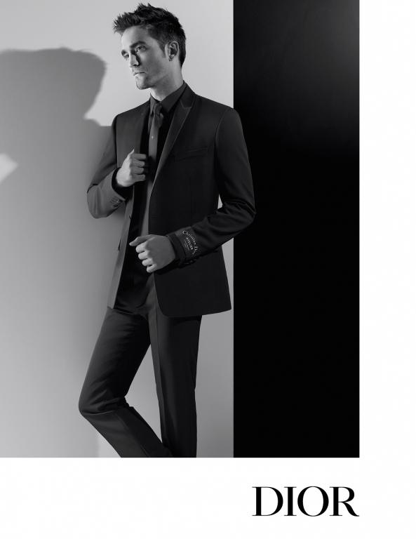 Robert pattinson per dior homme fashion times for Karl lagerfeld fotografo