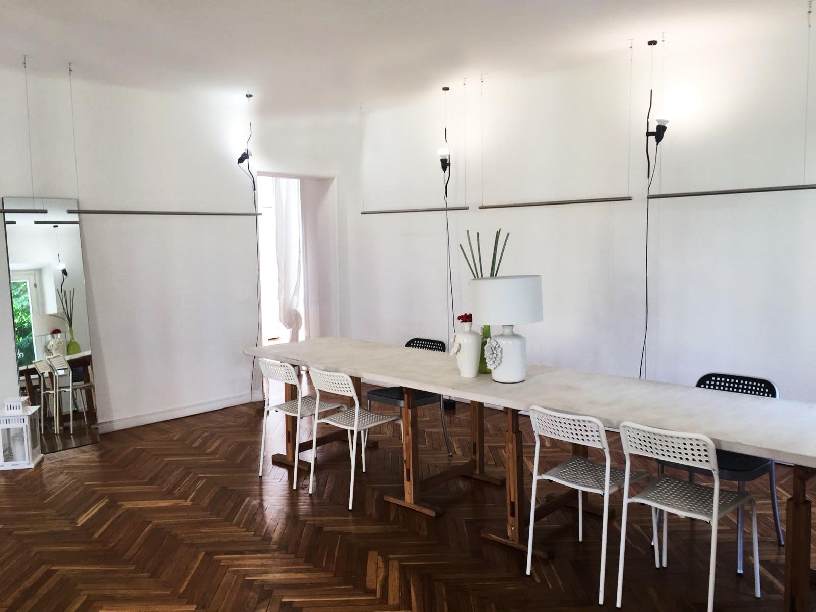 Showroom D'Avant Garde Tricot a Milano in Via della Spiga, 1