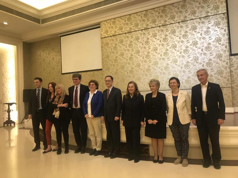 Delegati presso l'Associazione dell'Amicizia con Popoli Stranieri a Pechino