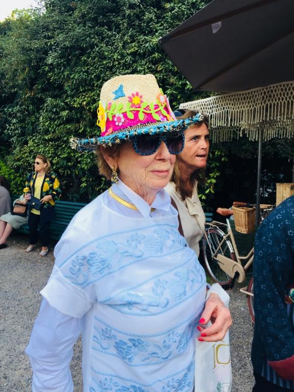 Un cappello di cui andare fiere, perché lo hanno realizzato i bambini disabili della onlus Anfass di Tortona