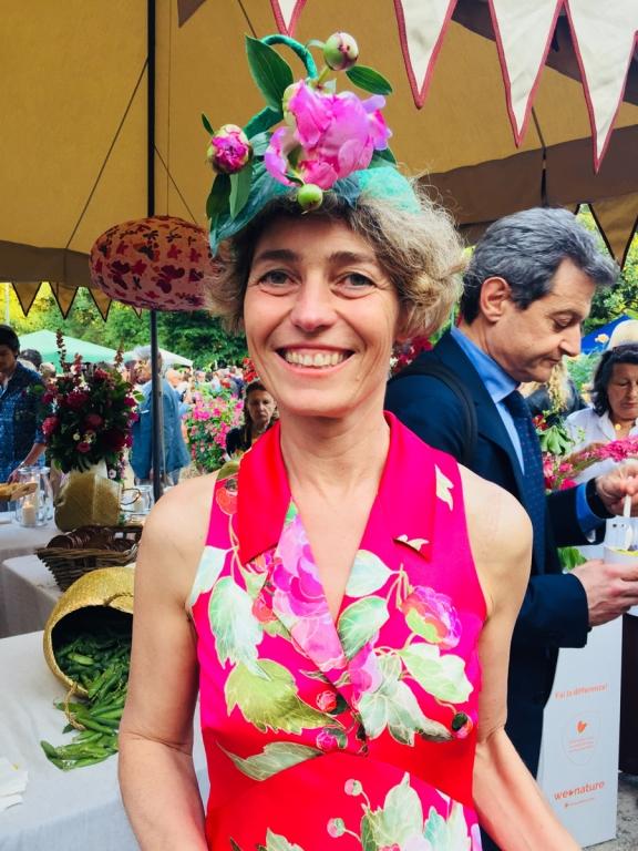 Così è sempre riciclato il poliestere con cui Paola Boselli Foglia ha creato il suo vivacissimo abito