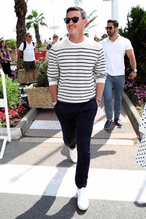 Luke Evans con occhiali Polaroid