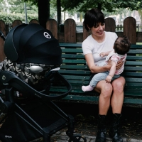 Eleonora Juglair real business moms cybex (1)