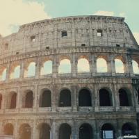 Moschino sfila a Roma per la prima volta 573ce182e22