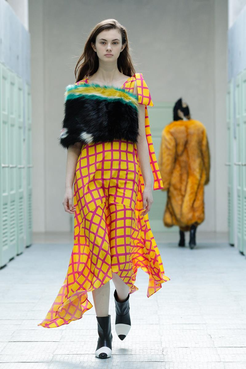 gilberto calzolari fall winter 2019 2020 collection. Black Bedroom Furniture Sets. Home Design Ideas