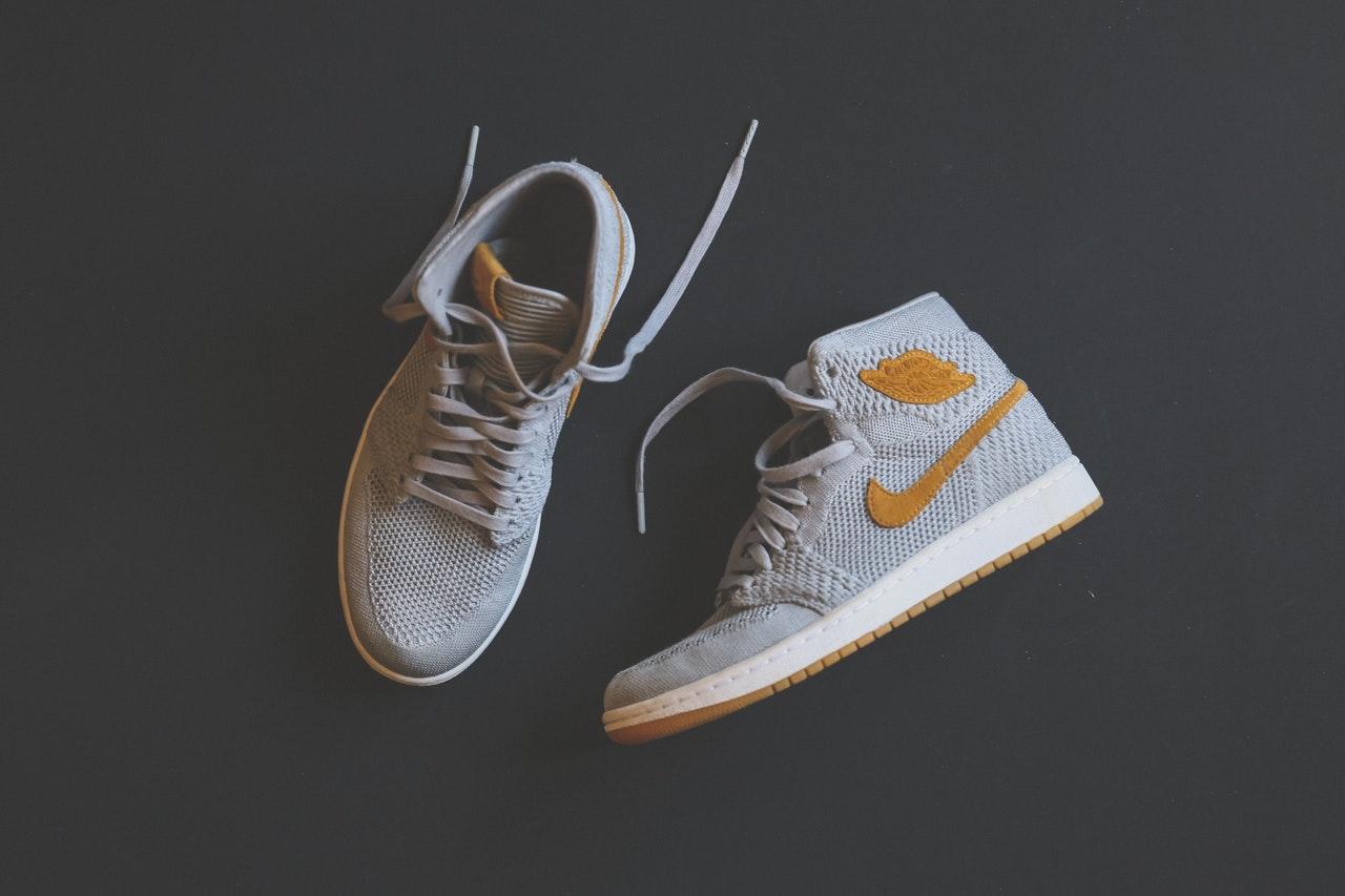 quality design 0dada fb7ef Il fenomeno sneakers costituisce da qualche anno un grande business, non  solo per brand e rivenditori, ma anche per gli sneakerhead, ossia coloro  che ...