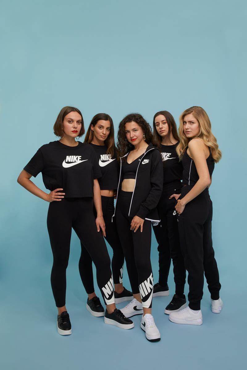 aw lab wmns together
