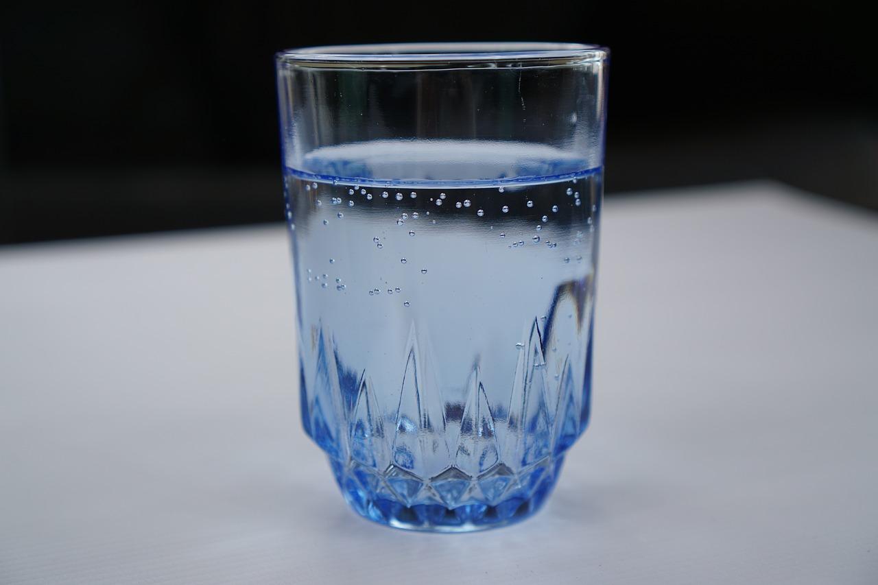 acqua gassata o acqua frizzante