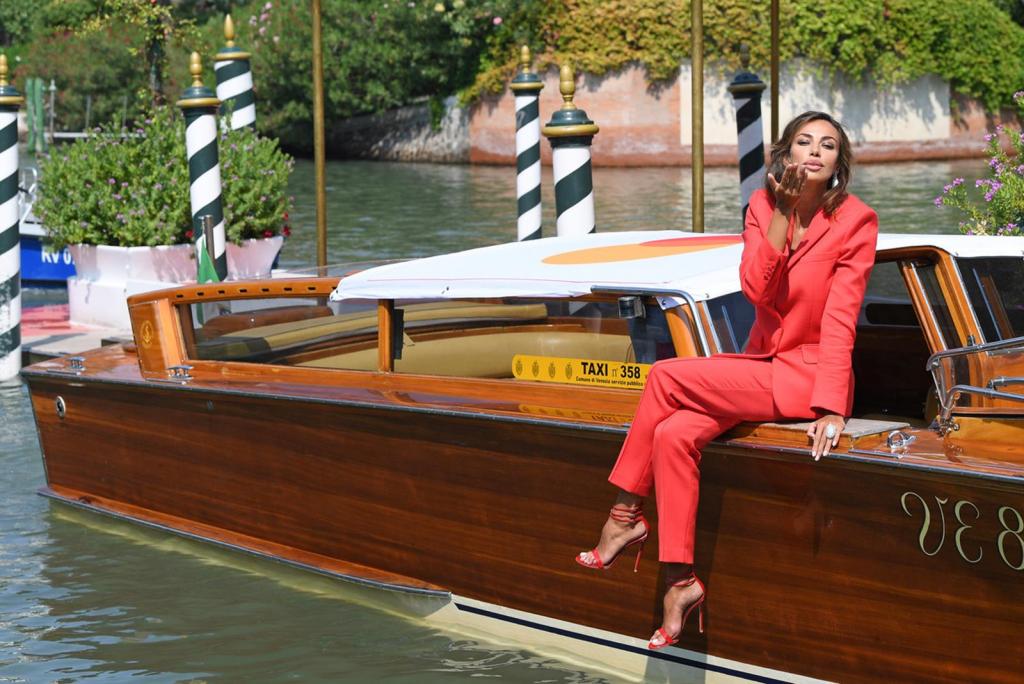 Madalina Ghenea con gioielli Damiani