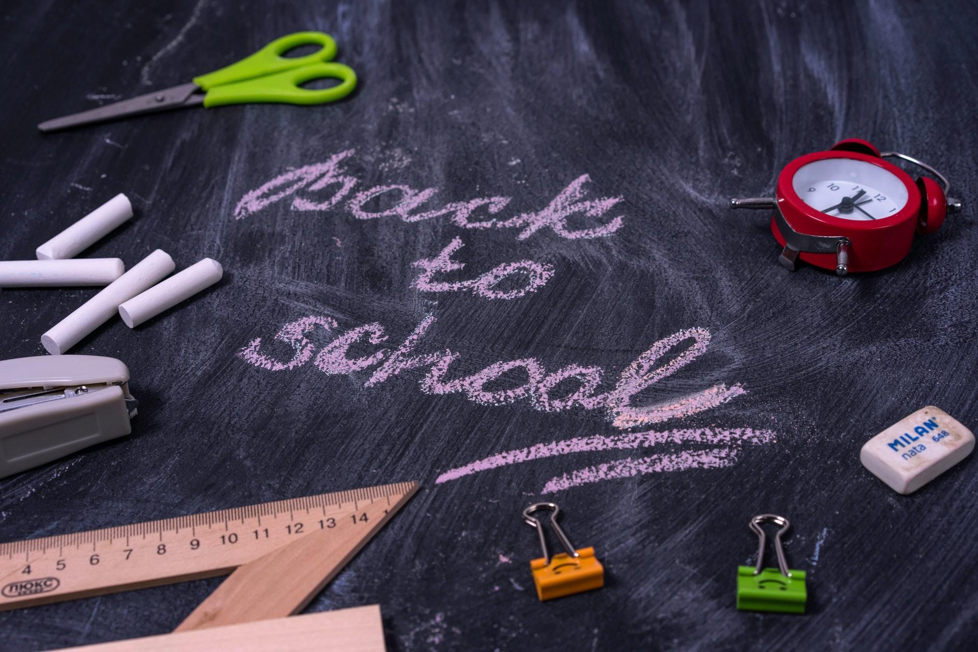 materiale scolastico risparmiare sulle scorte
