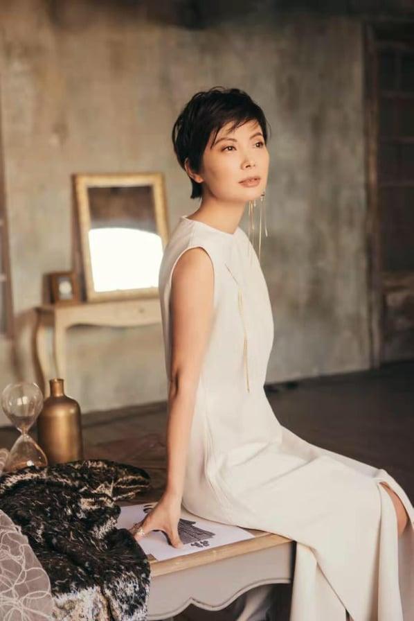 stilista cinese milano moda donna