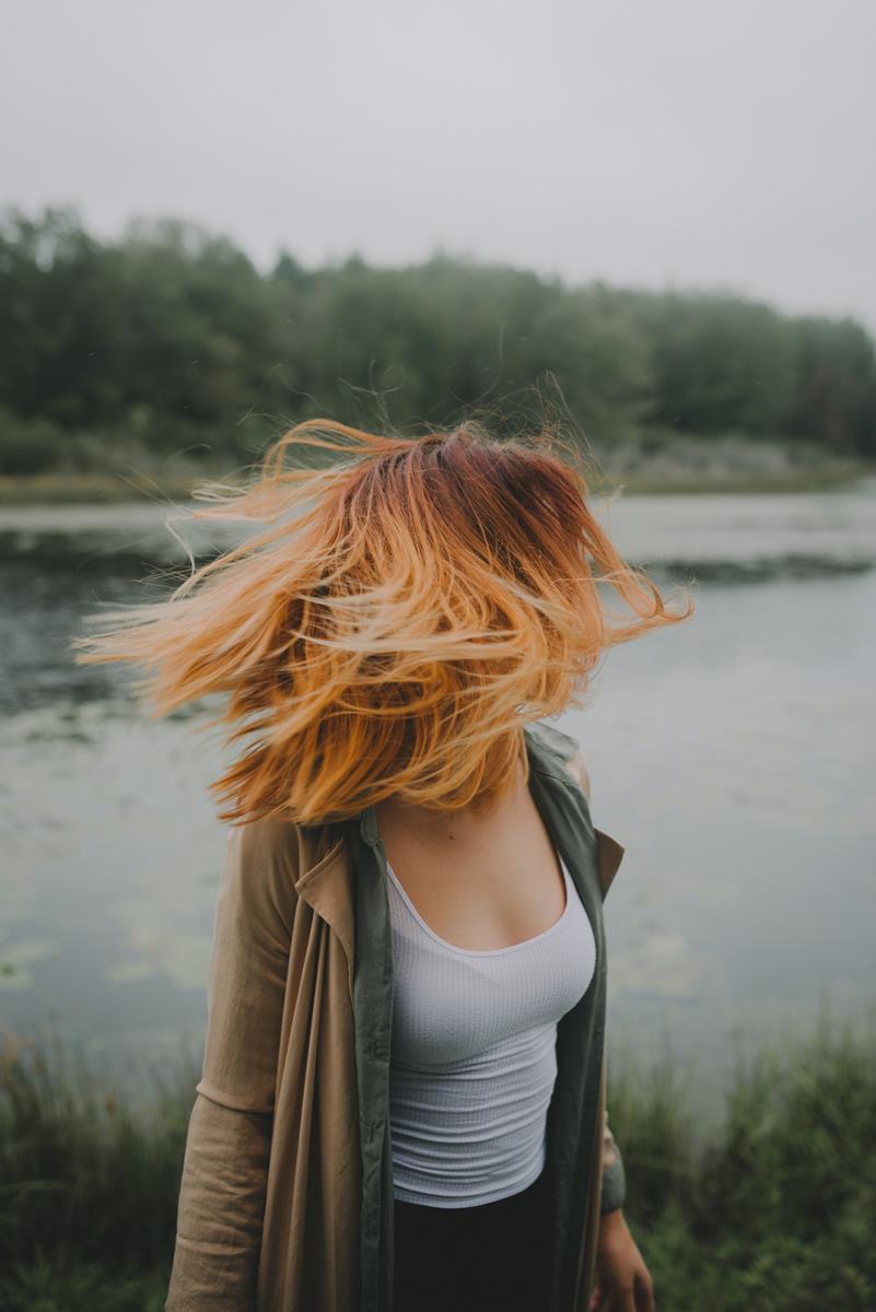 colorazione capelli rossi mogano