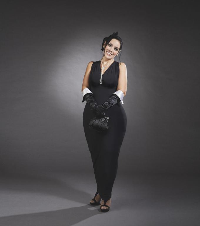 Valeria Mallardi interpreta Audrey Hepburn