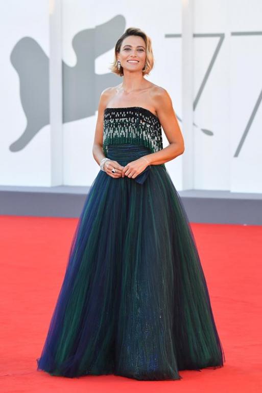 Anna Foglietta in Giorgio Armani (ph: Getty Images)