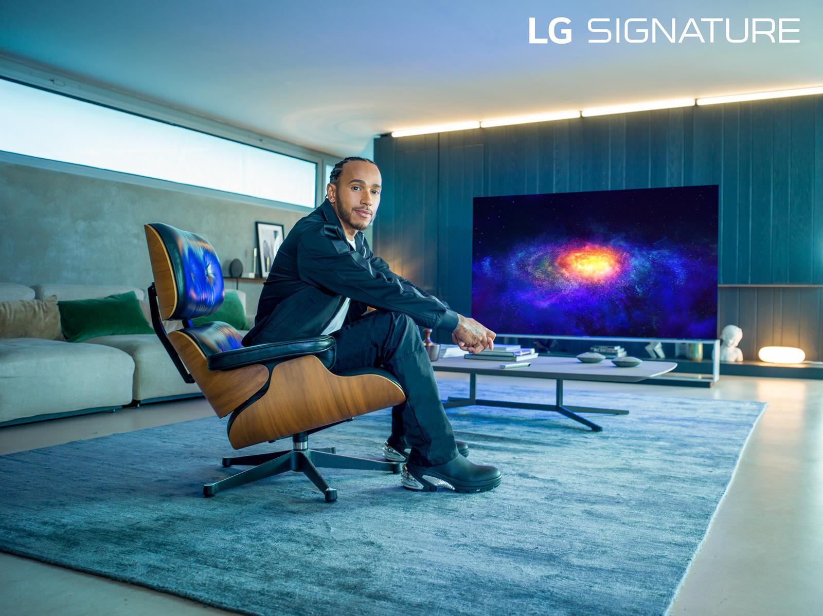 lewis hamilton pilota formula uno campagna pubblicitaria LG
