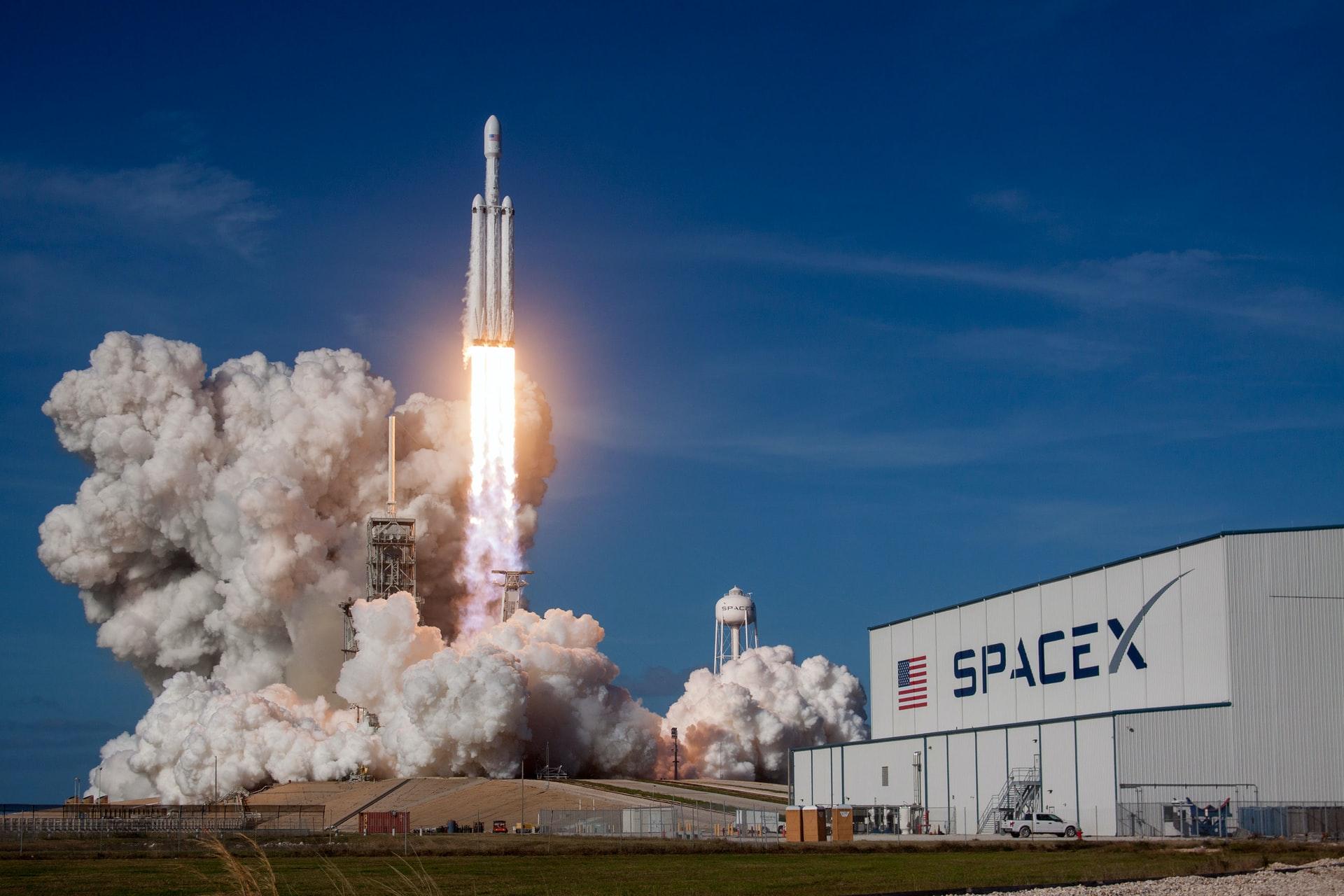 space x competitor elon musk riutilizzo dei razzi